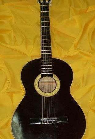 Classical Guitar Ord. Plywood Ord. Finish